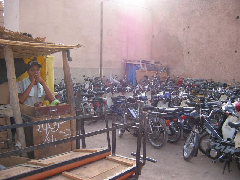 Marrakech-parking1.JPG