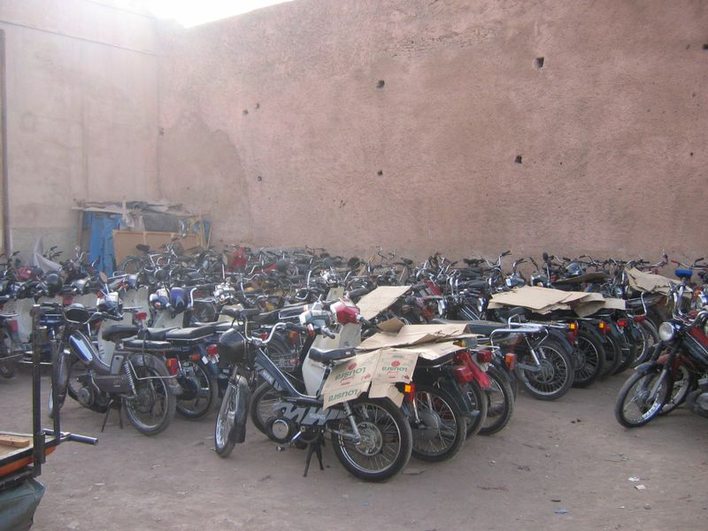 Marrakech-parking2.JPG