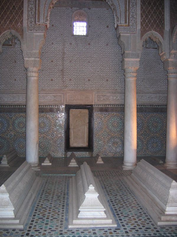 Marrakech-tombeaux-Saadiens1.JPG